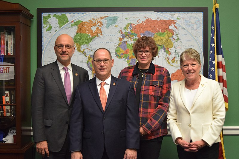 Fred Guttenberg (center-left) with Susan Orfanos and U.S. Representatives Julia Brownley and Ted Deutch