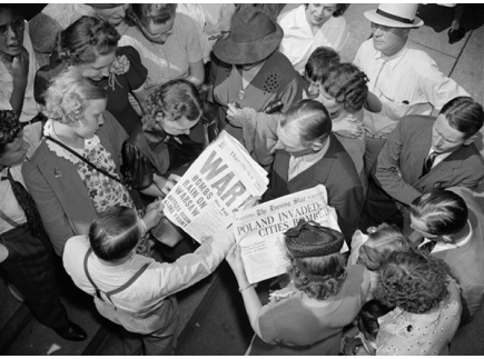 Main picture of History Unfolded: US Newspapers and the Holocaust