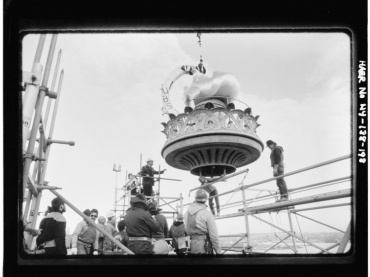 Positioning new flame and torch, November 25, 1985 - Statue of Liberty, Liberty Island, Manhattan, New York, New York County, NY