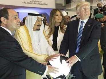 President Abdel Fattah el-Sisi of Egypt, King Salman of Saudi Arabia, First Lady Melania Trump, and President Donald Trump, 2017.