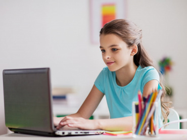 Staying Safe Online – Some Tips For Kids