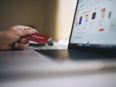 How To Get and Maintain a Good Credit Score