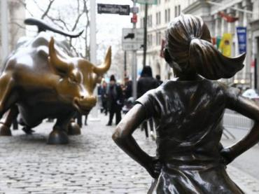 Class Debate: Artists Lock Horns Over Fearless Girl and Charging Bull Sculptures