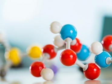 Molecules and Compounds - Legends of Learning