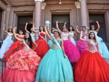 Quinceañeras at the Capitol