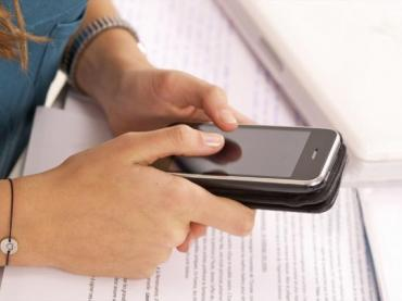 Class activity: Do you control your smartphone or does your smartphone control you?
