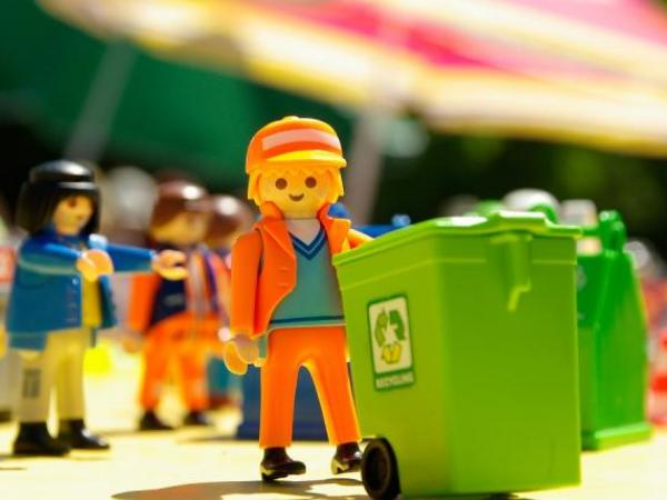 waste removal lego people