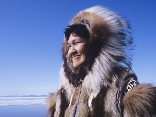 https://www.istockphoto.com/photo/eskimo-woman-in-traditional-clothing-gm487123353-39289538