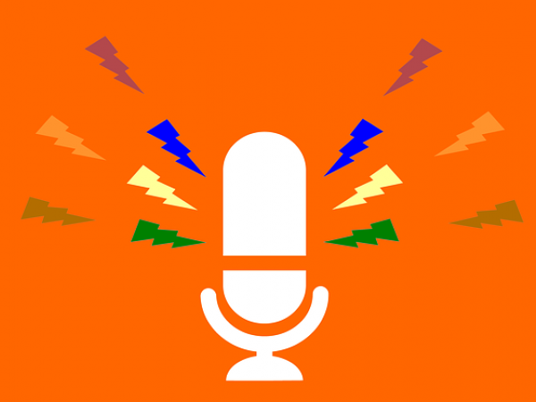 cc pixabay https://pixabay.com/en/podcast-radio-mic-microphone-audio-3332163/