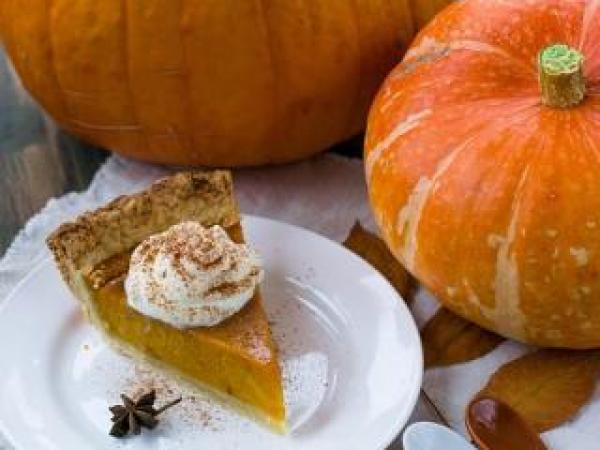 Thanksgiving Tales: Book Lists in English and Spanish